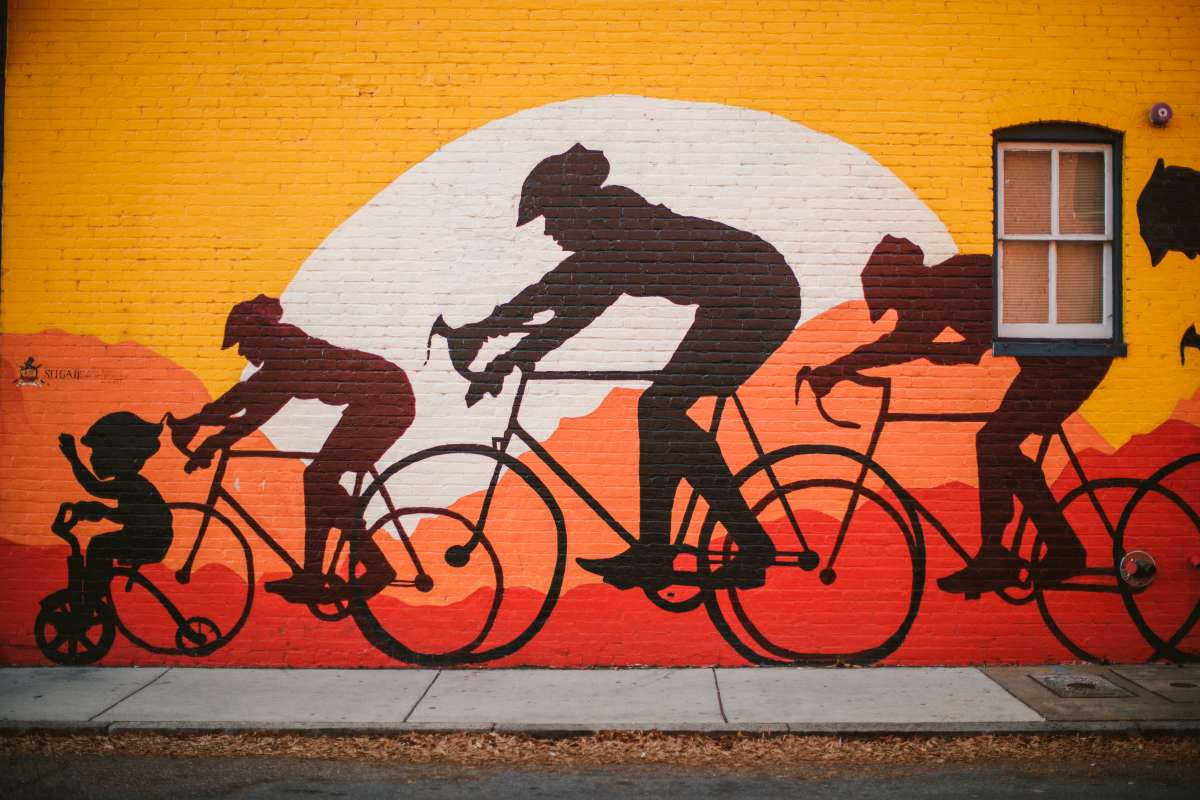 01 Richmond Virginia - Mural Project Paint Color Art - The Fan Museum District Downtown - Bike Race Family.JPG