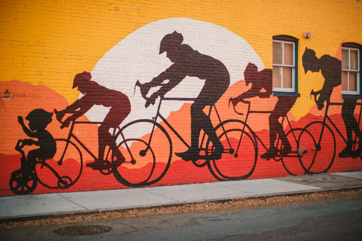 02 Richmond Virginia - Mural Project Paint Color Art - The Fan Museum District Downtown - Bike Race Family.JPG