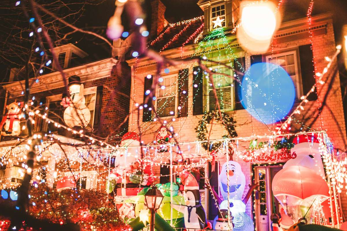 07 Richmond Virginia Neighborhood - Tacky Light Tour - Winter Holiday Christmas - Home House Lights Decorate.JPG