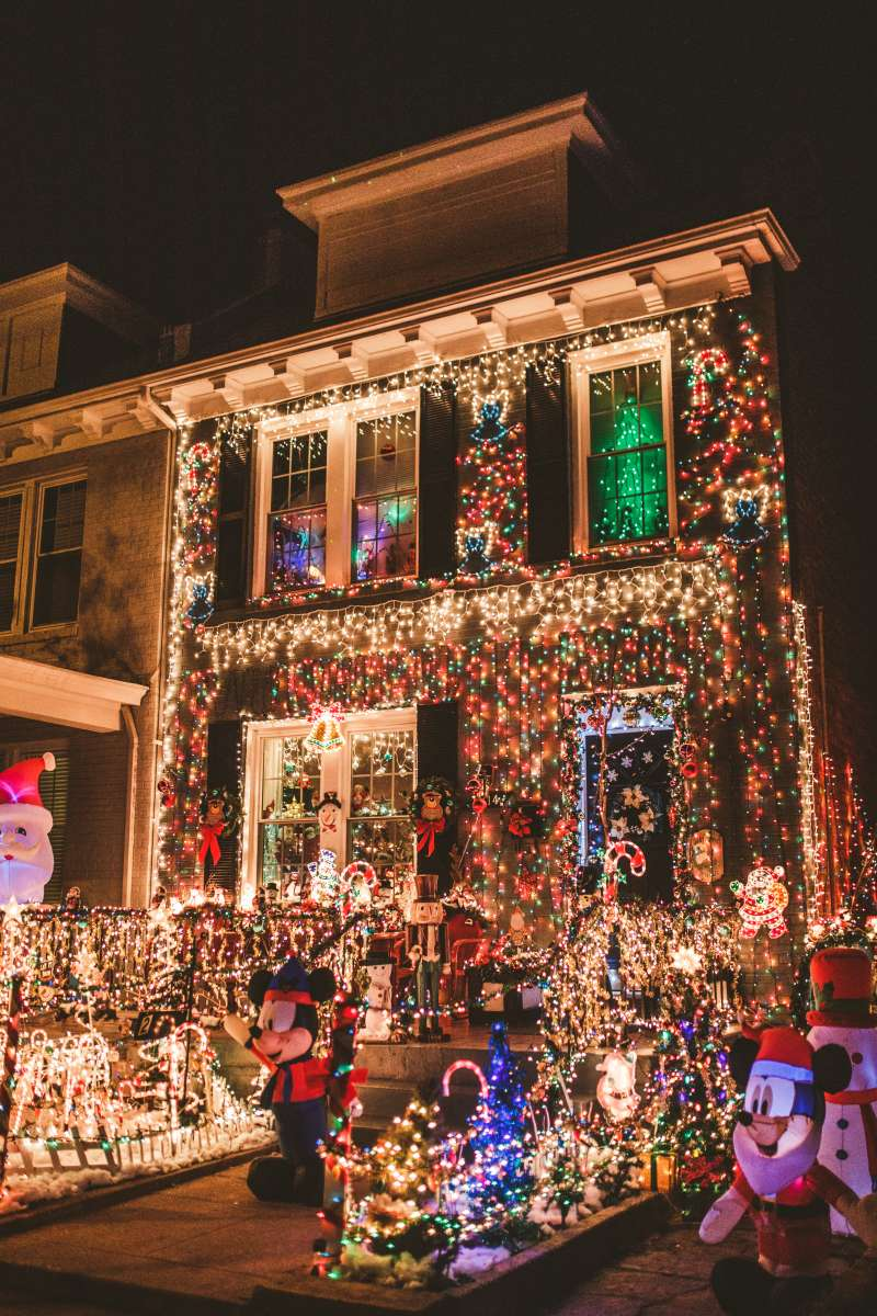 09 Richmond Virginia Neighborhood - Tacky Light Tour - Winter Holiday Christmas - Home House Lights Decorate.JPG