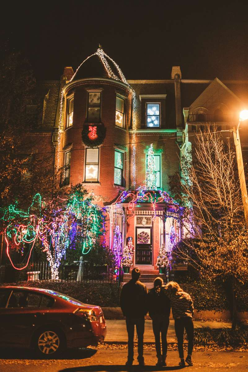 10 Richmond Virginia Neighborhood - Tacky Light Tour - Winter Holiday Christmas - Home House Lights Decorate.JPG