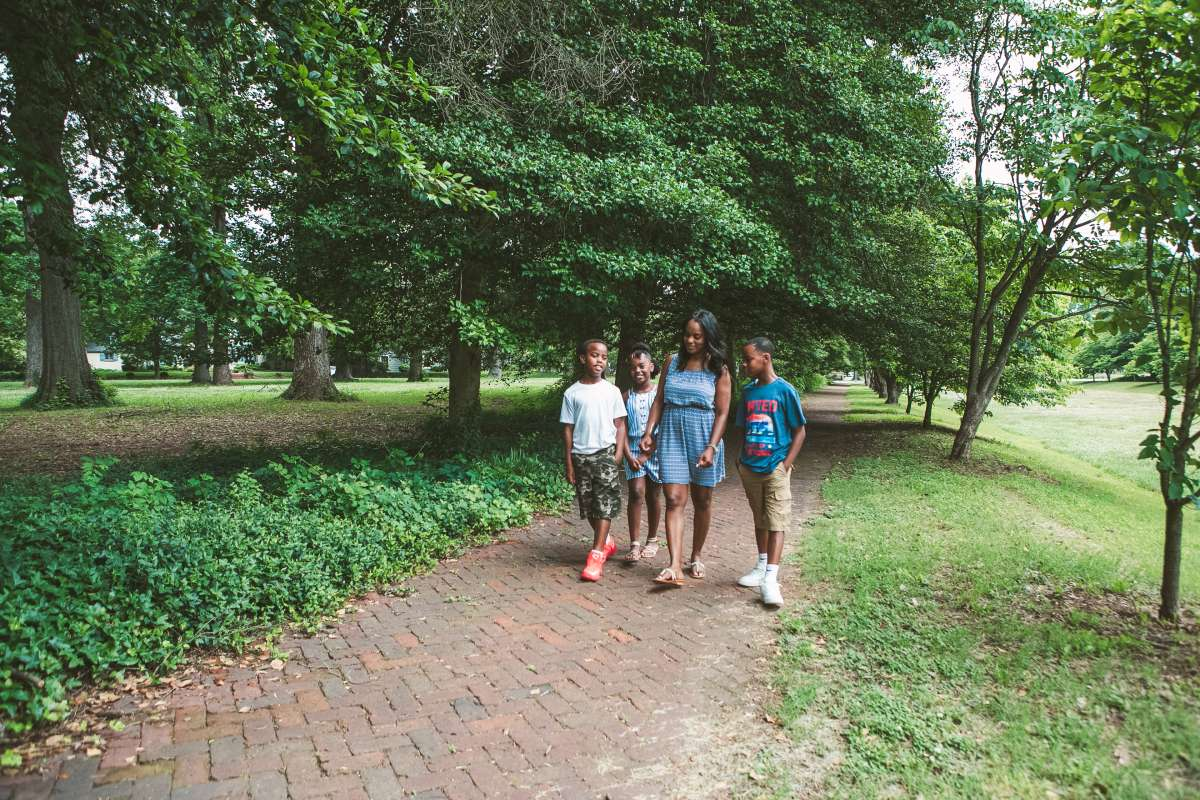 Family - Byrd Park - Carytown Richmond Neighborhood - Mom mother kids 19.JPG