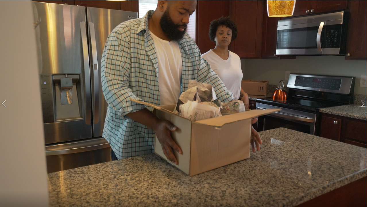 Home Video - Homeowners couple moving - House - Living Kitchen 10.mov