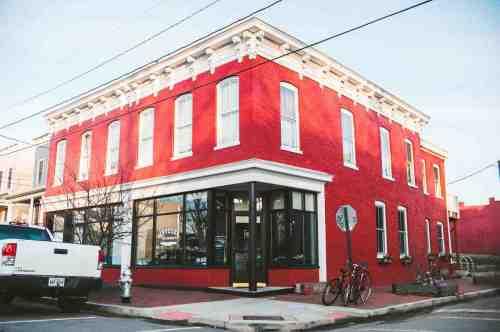 01 Richmond Virginia RVA – Metzger Restaurant Cocktail Bar – Church Hill Neighborhood Home Community – Corner Lot Food Dine