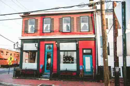 01 Richmond Virginia RVA – The Roosevelt Restaurant Cocktail Bar – Church Hill Neighborhood Home Community – Corner Lot Food Dine