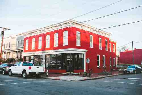02 Richmond Virginia RVA – Metzger Restaurant Cocktail Bar – Church Hill Neighborhood Home Community – Corner Lot Food Dine