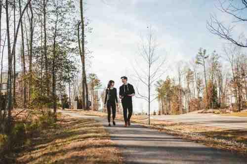 04 Couple - Neighborhood Trail - Run Walk Exercise - Family - Park