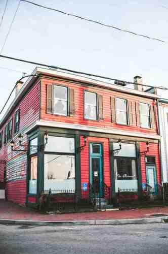 04 Richmond Virginia RVA – The Roosevelt Restaurant Cocktail Bar – Church Hill Neighborhood Home Community – Corner Lot Food Dine