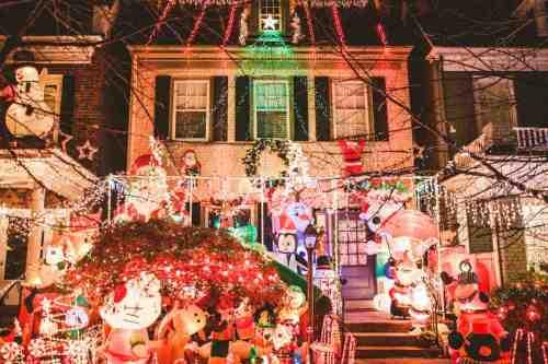 05 Richmond Virginia Neighborhood - Tacky Light Tour - Winter Holiday Christmas - Home House Lights Decorate