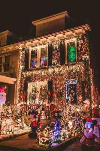 09 Richmond Virginia Neighborhood - Tacky Light Tour - Winter Holiday Christmas - Home House Lights Decorate
