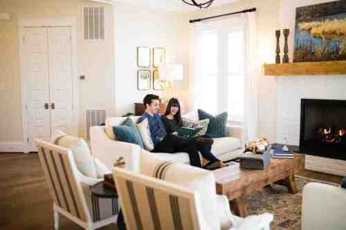 10 Home - Homeowners - House - Living Room - Design
