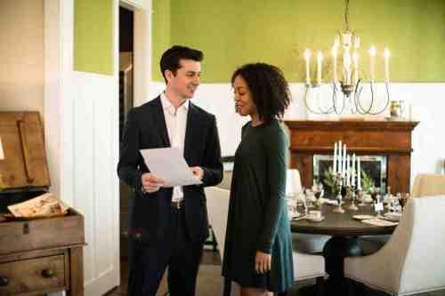 10 Realtor - Home Owner - Deal - Contract - Handshake