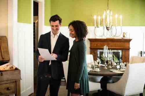 12 Realtor - Home Owner - Deal - Contract - Handshake