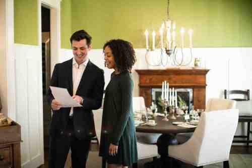 13 Realtor - Home Owner - Deal - Contract - Handshake