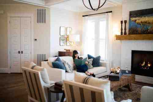 17 Home - Homeowners - House - Living Room - Design